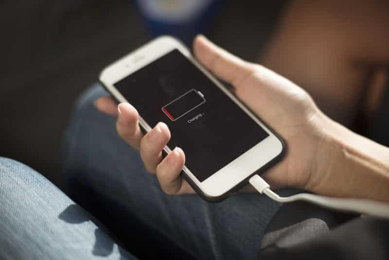 como ahorrar bateria en el celular