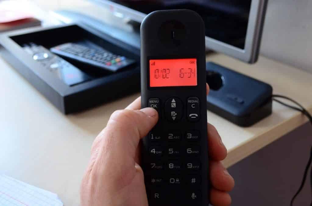 ¿Cómo ocultar tu número de teléfono y otros datos personales?