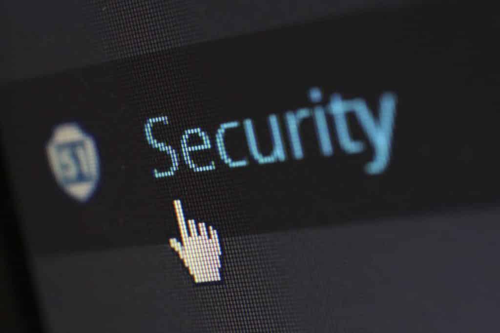Elimina la información en tu dispositivo y cambia tus contraseñas: