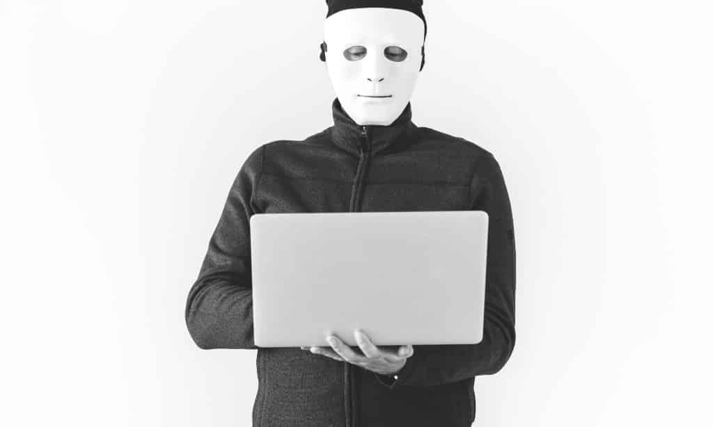 como espiar un celular software