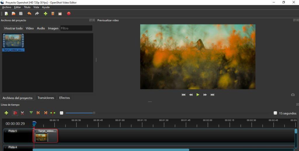 Espacio de trabajo de edición de vídeo en OpenShot.