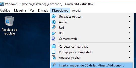 """Opción """"insertar imagen de CD"""" del menú """"Dispositivos"""" del VirtualBox."""