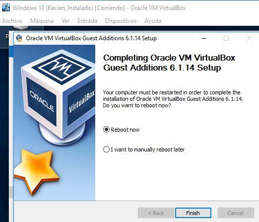 """Ventana con la opción """"Reboot now"""" del instalador de las Guest Additions."""