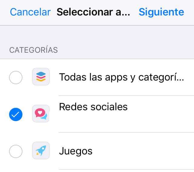 """Menú de """"Añadir límite"""", el cual muestra la opción """"Redes sociales"""" y el enlace que dice """"Siguiente""""."""