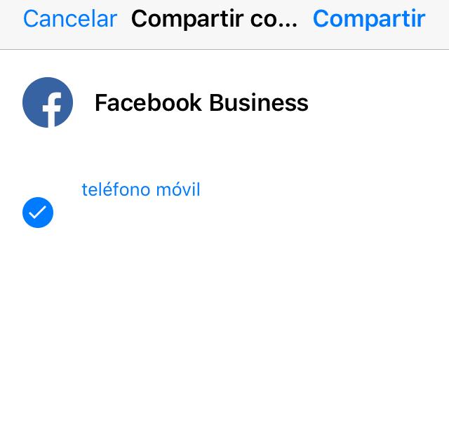 """Ventana del asistente para compartir una tarjeta de contacto de WhatsApp mostrando la opción """"Compartir""""."""