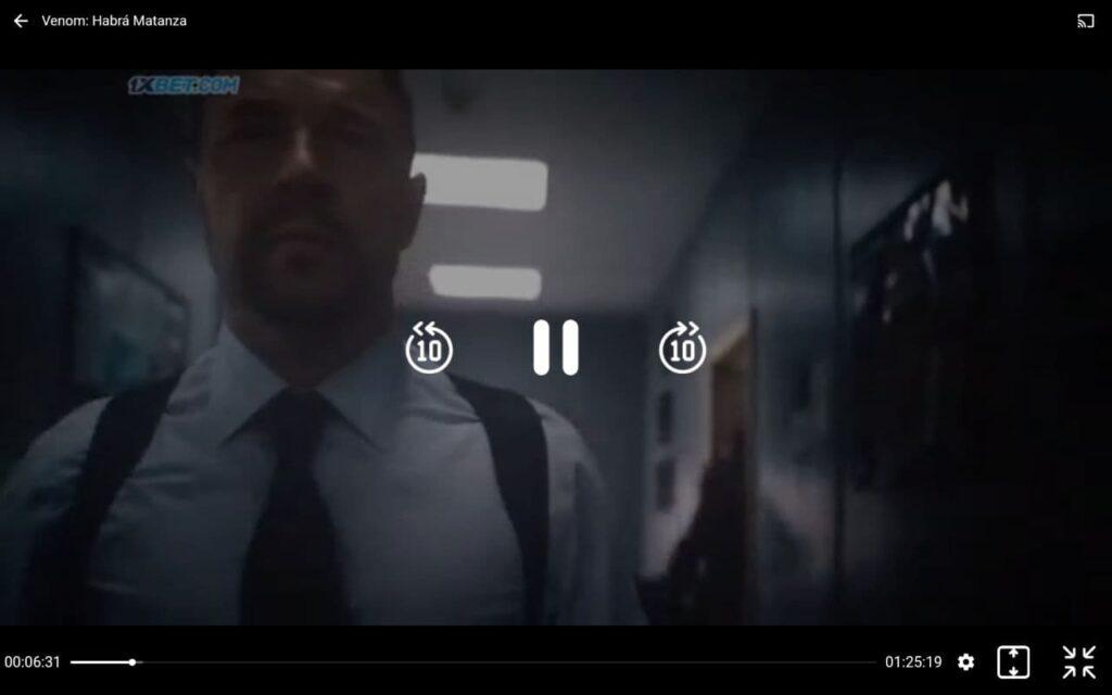 """Película """"Venom: Habrá Matanza"""" siendo reproducida en PlayHub Plus."""